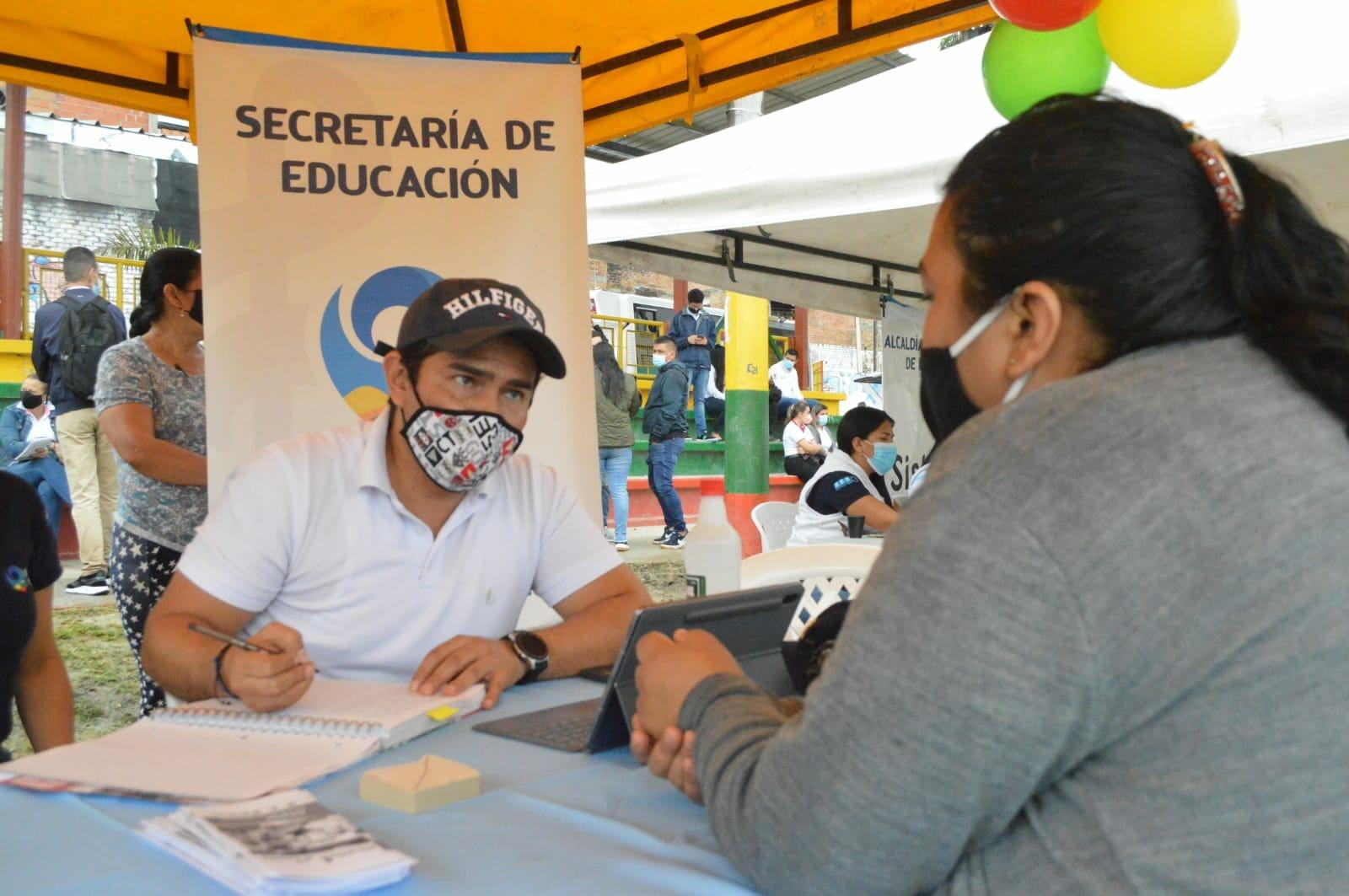 Más de 1.600 ibaguereños participaron en jornada de 'Alcaldía y Gobernación al Barrio' en la comuna 13. 1