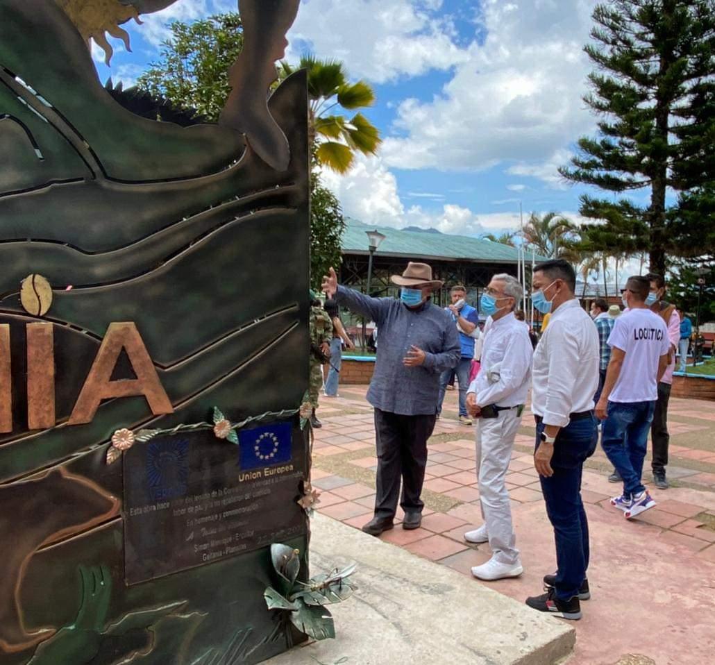 Monumento en homenaje a las víctimas y a la no repetición del conflicto armado fue inaugurado al sur del Tolima. 2